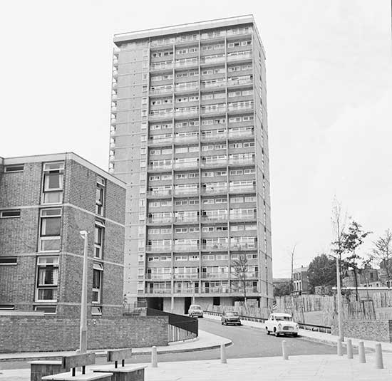 1960s-London-tower-block-with-low-rise-flats-in-foreground