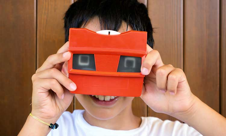 boy using a view-master