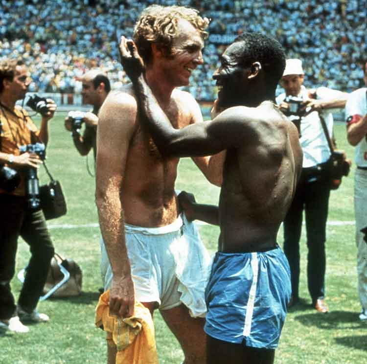 Bobby Moore and Pele exchanging shirts in the 1970 World Cup