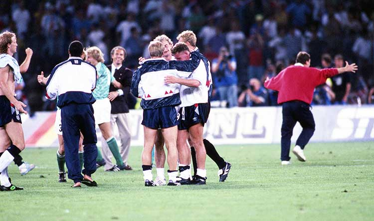Paul Gascoigne crying on the shoulder of Cary Stevens in the Italia 90 World Cup